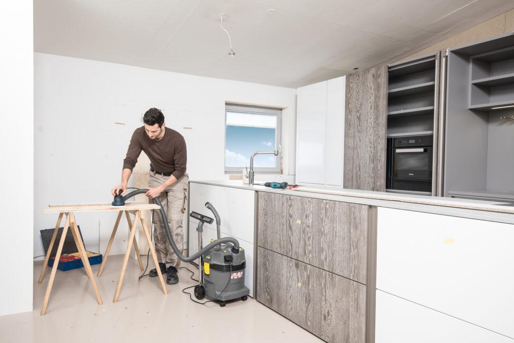 NT_22_1_Ap_Te_L_install_kitchen_sanding_app_1_CI15_96 dpi (jpg)