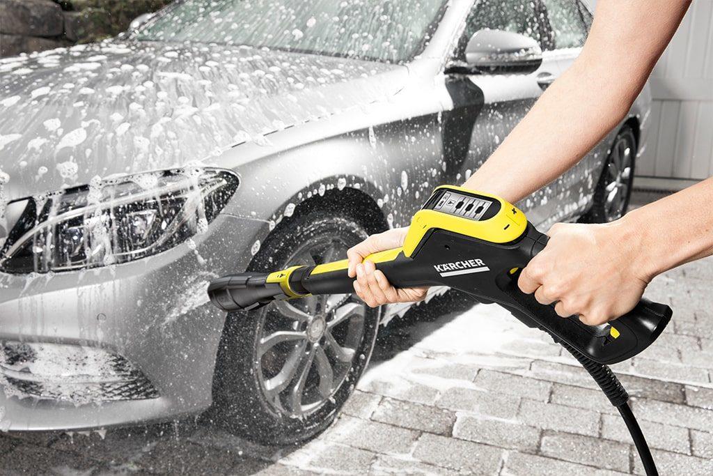 Umývanie auta s vapkou Kärcher K5